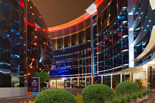 Crown Plaza Doha Exterior